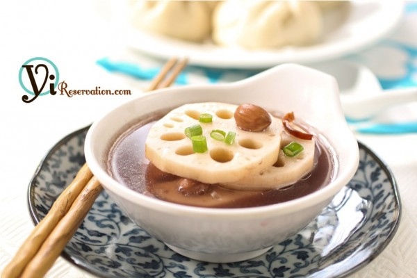 Lotus Root and Peanuts Soup with Pork (蓮藕花生湯)