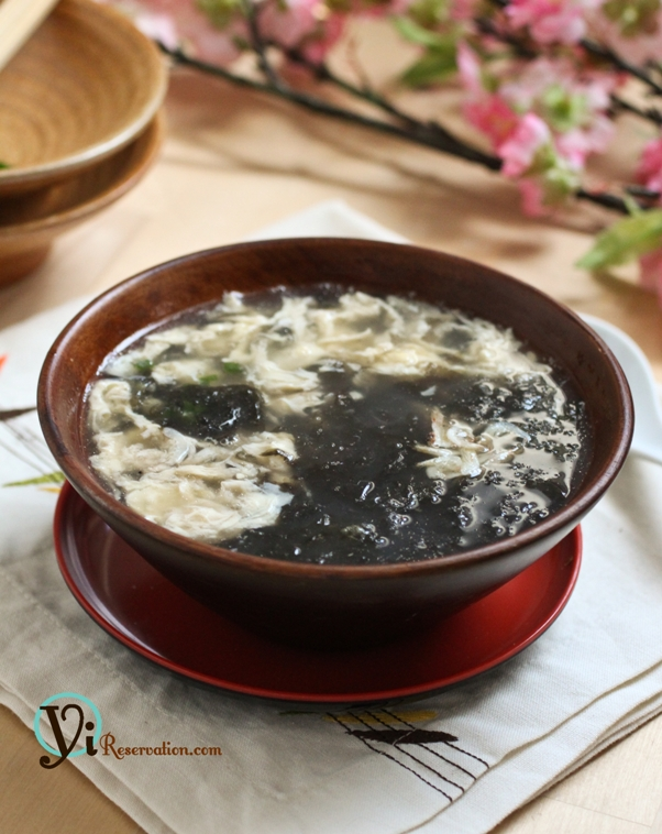 Seaweed Egg Drop Soup (紫菜蛋花湯)