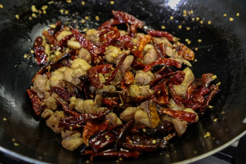 Chongqing Chicken with Chilies 辣子雞 recipe