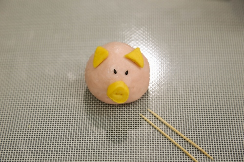 steamed piggy buns step10 (500x333)