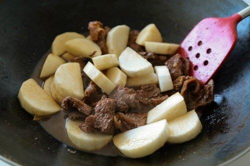 antonese Style Braised Beef Stew 炆牛腩