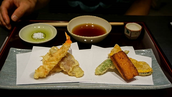 Food and travel guide Osaka Japan - Tempura